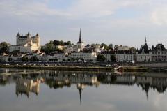 1280px-Panorama_of_Saumur.JPG